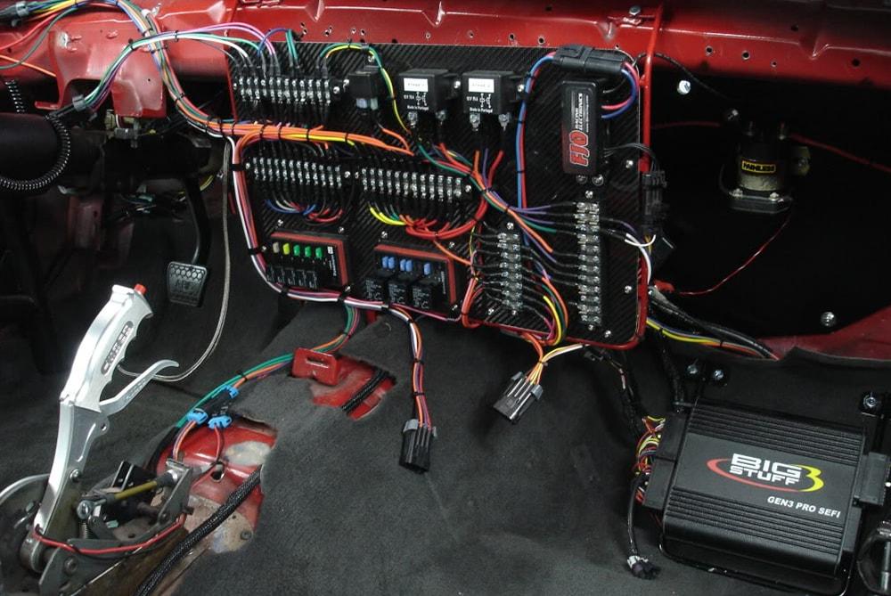 شبیه سازی عیوب الکتریکی در سیم کشی برق خودرو